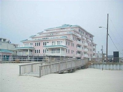 New luxurious beachocean front and pool view condo in Wildwood Crest