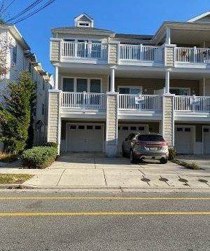 2 short blocks to beach, boardwalk and dog park
